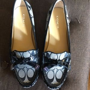 COACH LOAFERS NEVER WORN